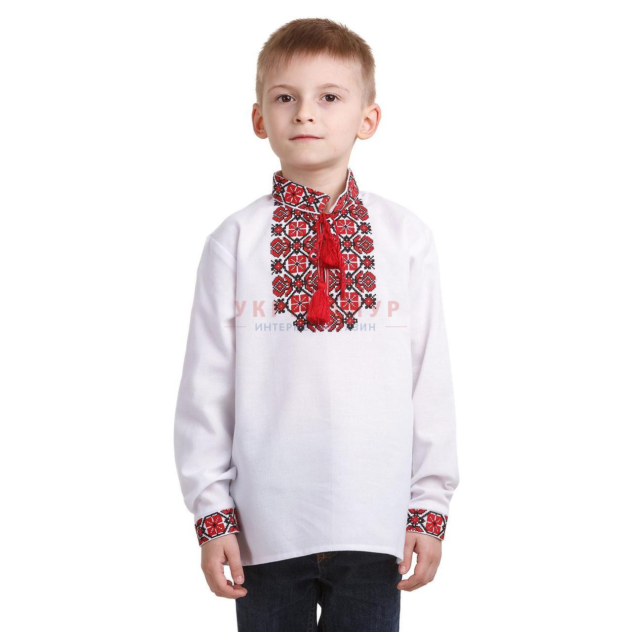 Белая вышитая рубашка для мальчика