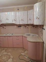 Очень интересная комбинация. Кухня Хай Тек- розовый перламутр/белый перламутр с фотопечатью