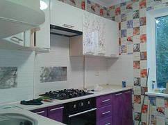 Модульная кухня Хай-тек. Цвет белый перламутр / сирень перламутр