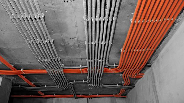 Прокладка провода(потолок)