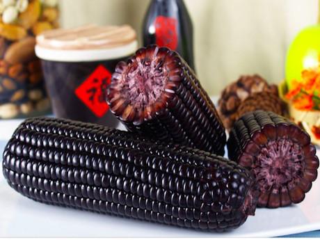Черная кукуруза произвела фурор в Китае и во всем Мире