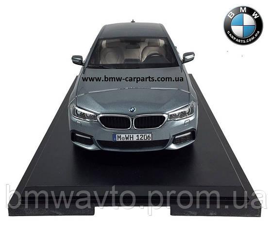 Модель автомобиля BMW 530i Limousine (G30), 1:18 Scale, Bluestone Metallic, фото 2