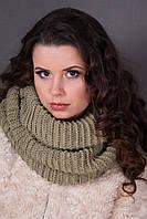Стильный шарф-снуд оливкового цвета