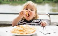 Почему дети едят вредные продукты?