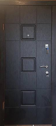 Входная дверь модель П4-362 скол дуба черный/белый, фото 2