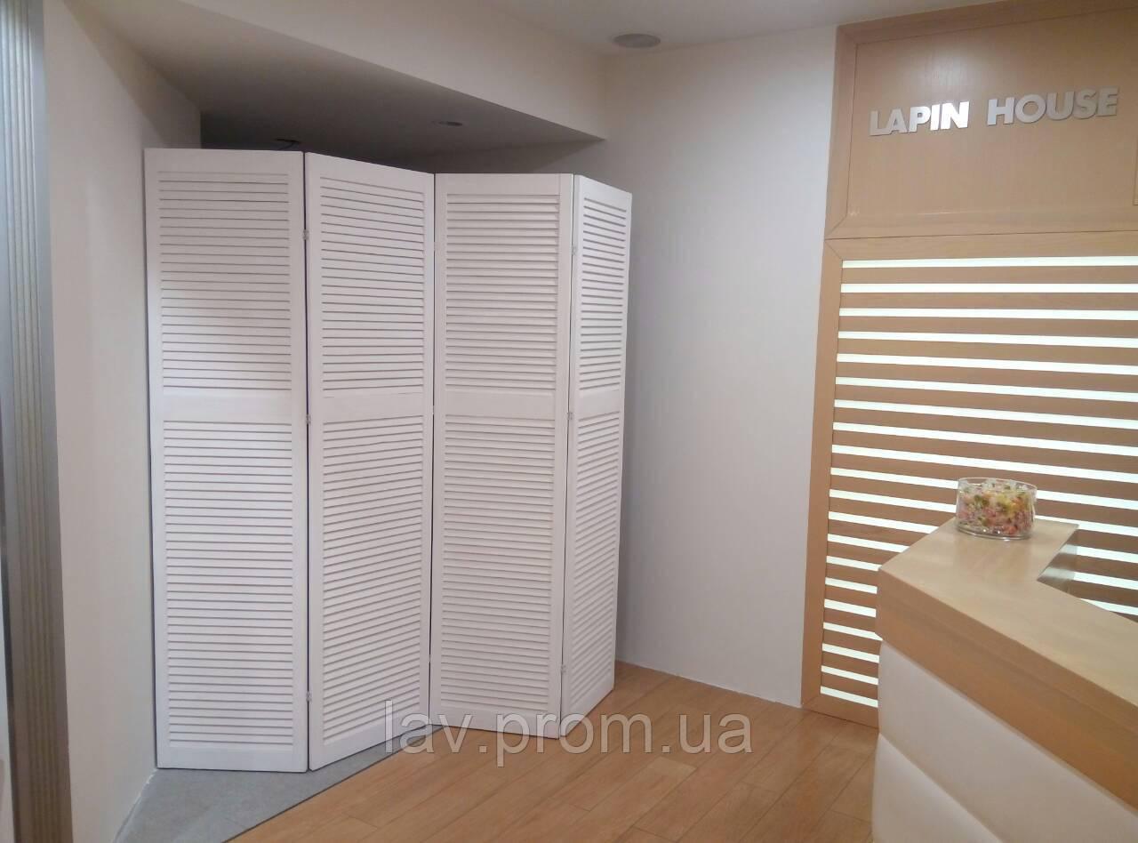 096d1f5a041c5 Высокая деревянная ширма белого цвета на 4 секции для магазина одежды и  обуви.