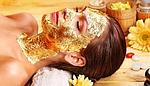 Золотая маска для нашего лица.