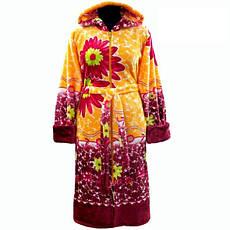 Яркий махровый теплый зимний халат в цветах с капюшоном и молнией