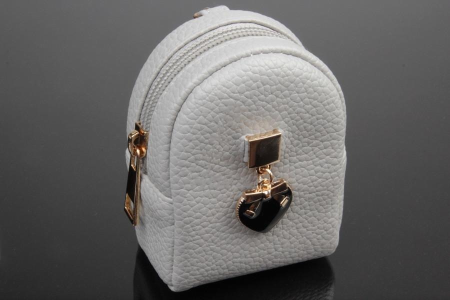 Брелок ключница на сумку рюкзак с сердечком
