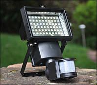 Прожектор на солнечной батарее 100 LED с датчиком движения 2 режима