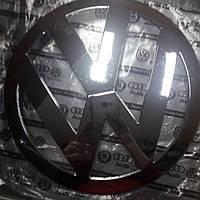 Эмблема значок на решетку радиатора Volkswagen VW Т5 Transporter передняя