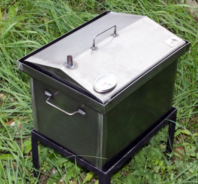 Коптильня черный металл 400х300х310 домик с термометром