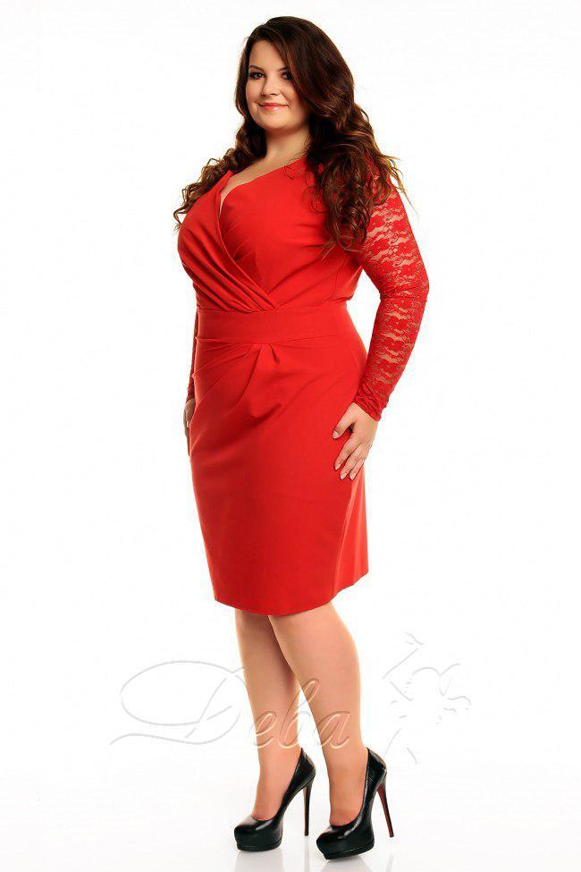 Красное платье больших размеров с гипюровыми рукавами, декольте на запах код 177/8699