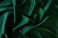 Атласная ткань темно зеленая