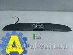 Накладка крышки багажника на Хьюндай Акцент(Hyundai Accent) 2006-2010