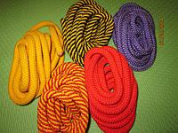 Ипанские скакалки для гимнастики разных цветов
