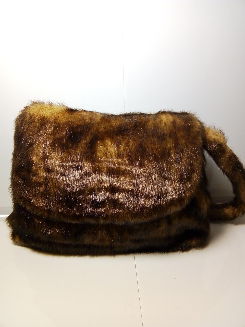 Стильная женская меховая сумочка