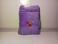 Меховая сиреневая детская сумочка с принтом вишня