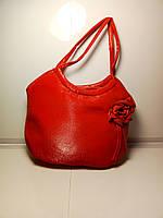 Стильная детская сумка красного цвета с розой