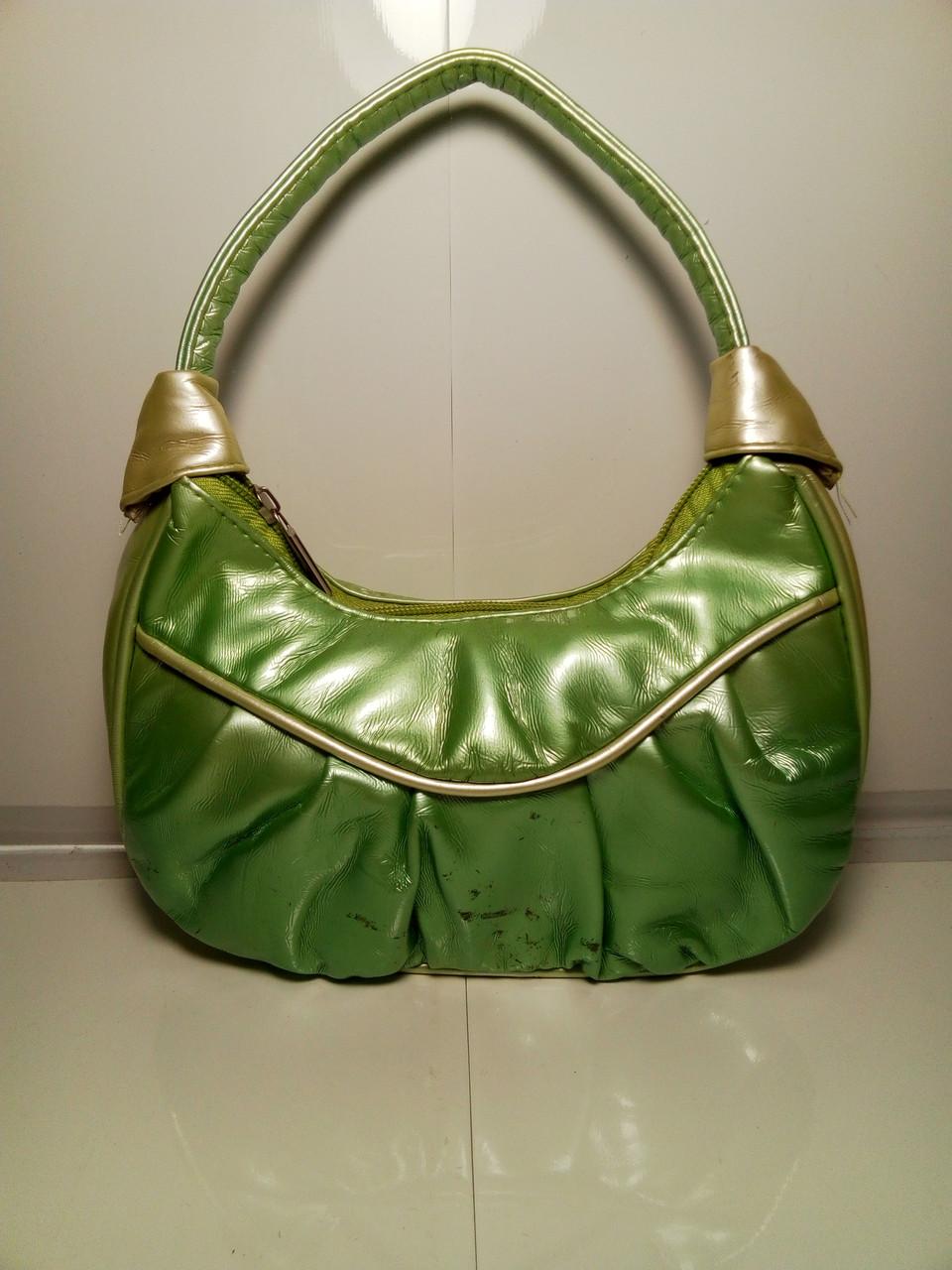 Женская сумка зеленого цвета