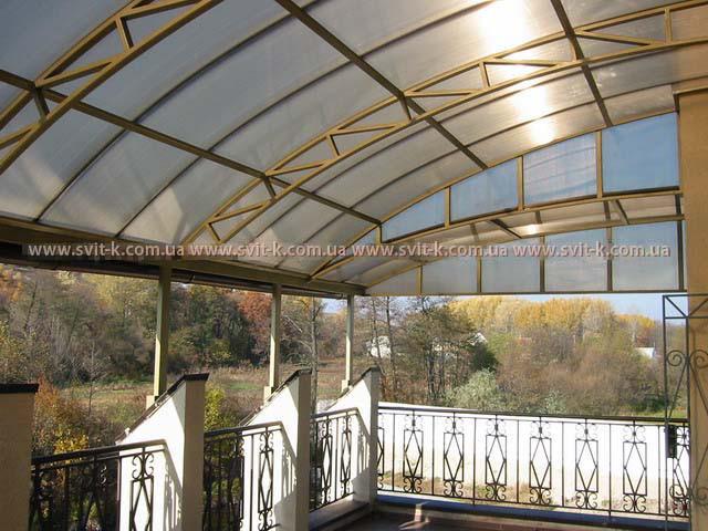 ПМП «Интергейтс», балкон-терраса с покрытием из сотового поликарбоната Полигаль