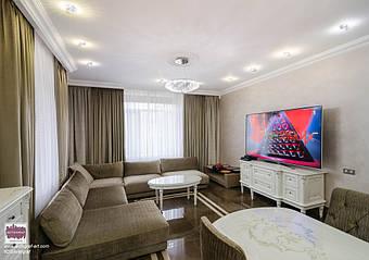 Простір та багато сонячного світла в інтер'єрі будинку в Києві від дизайн студії AVTOGRAF