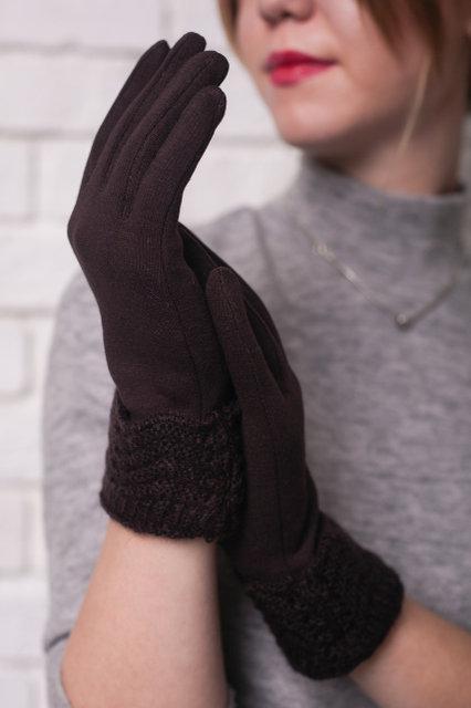Женские трикотажные перчатки с вязаным отворотом, цвет коричневый.