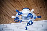 Люстра штурвал деревянная белая на 3 лампочки в морском стиле с компасом, фото 6