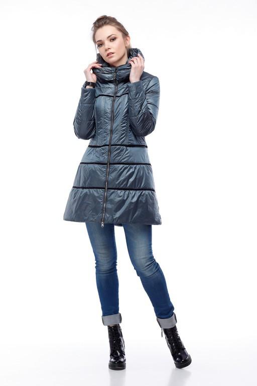 Демисезонная куртка с оригинальным силуэтом