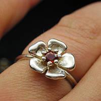Кольца цветок сакуры с гранатом серебро 925 проба