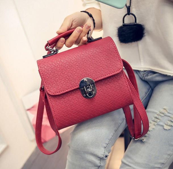 4bb55be46d3a Женская маленькая сумочка на металлической заклепке красная из экокожи -  ModaShop в Киеве