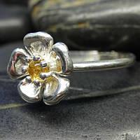 Серебряное кольцо цветок дикой розы с цитрином