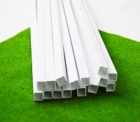 Пластиковый профиль 3 мм. Х 3 мм. Сечение труба квадратная, длина 250 мм. 1 шт.