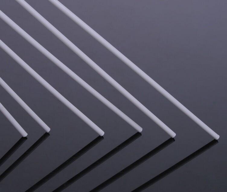 Пластиковый профиль 3 мм. Х 3 мм. Уголок, длина 250 мм. 1 шт.