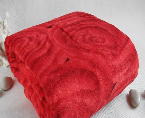 Микрофибровая простынь, покрывало Elway евро Розы  на красном