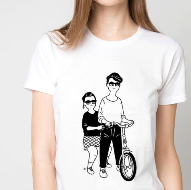 Футболка жіноча дівчина з хлопцем на велосипеді