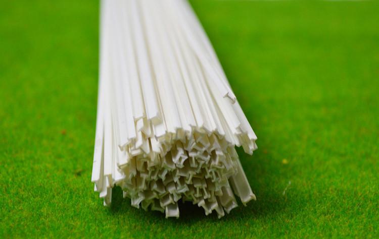 Пластиковый профиль 1 мм. х 2  мм.Двутавр, длина 250 мм. 1 шт.