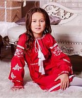 Плаття з вишивкою - сучасний образ маленької українки.