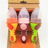 Ниблер силиконовый для прикорма детей