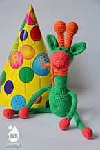 Іграшка - брязкальце амігурумі - Жираф Леончик