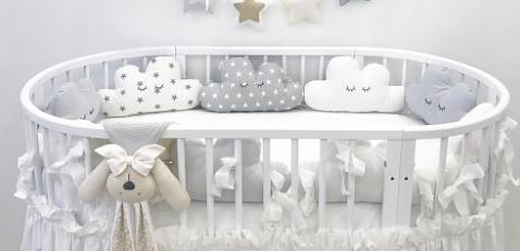 Бортики в дитячу овальну ліжечко - Хмаринки