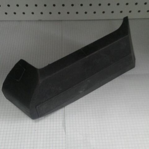 Накладка бампера боковая правая ласта ВАЗ 2103 2106
