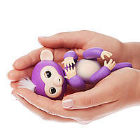 Интерактивная ручная обезьянка Wow Wee Baby Monkey Fingerlings Миа, сиреневая