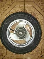 Колесо скутера новая резина.