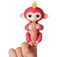 Интерактивная ручная обезьянка Wow Wee Baby Monkey Fingerlings Белла, розовая
