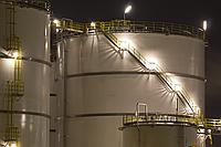 Монтаж вертикальных цилиндрических резервуаров и емкостей