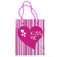 "Пакет подарочный ""Kiss me"" ламин. 140*170*90мм 1052"