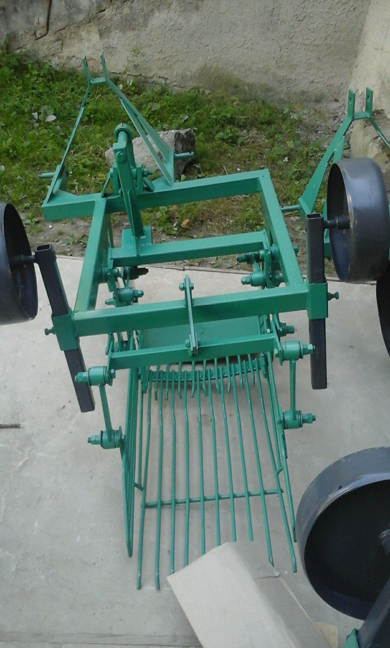 Картофелекопалка тракторная вибрационная