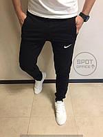 Спортивные штаны черные Nike