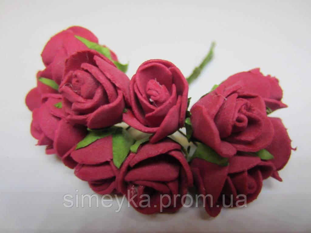 Роза бордовая, букетик из 11 цветков, диаметр розы 15-20 мм, длина проволоки 7 см